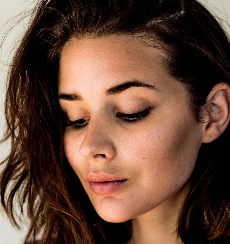 harper-and-harley_liquid-eyeliner_modelco_look-1_2