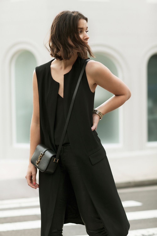 harper-and-harley_sara-donaldson_all-black-outfit_saint-laurent_3