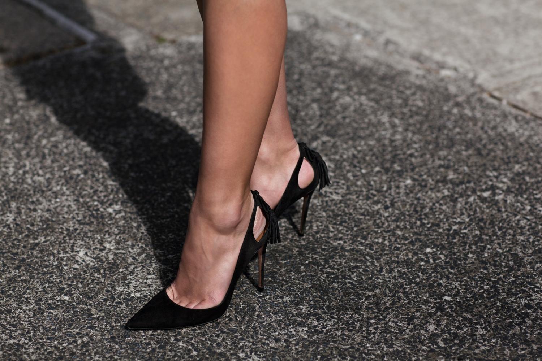 harper-and-harley_sara-donaldson_jw-anderson_denim-shirt_black-mini-skirt_6