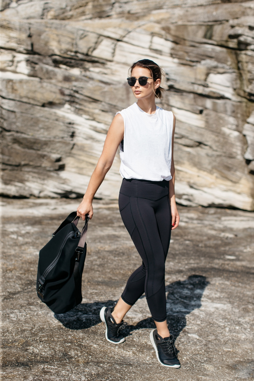 black and white gym outfit, activewear, health and fitness, exercise