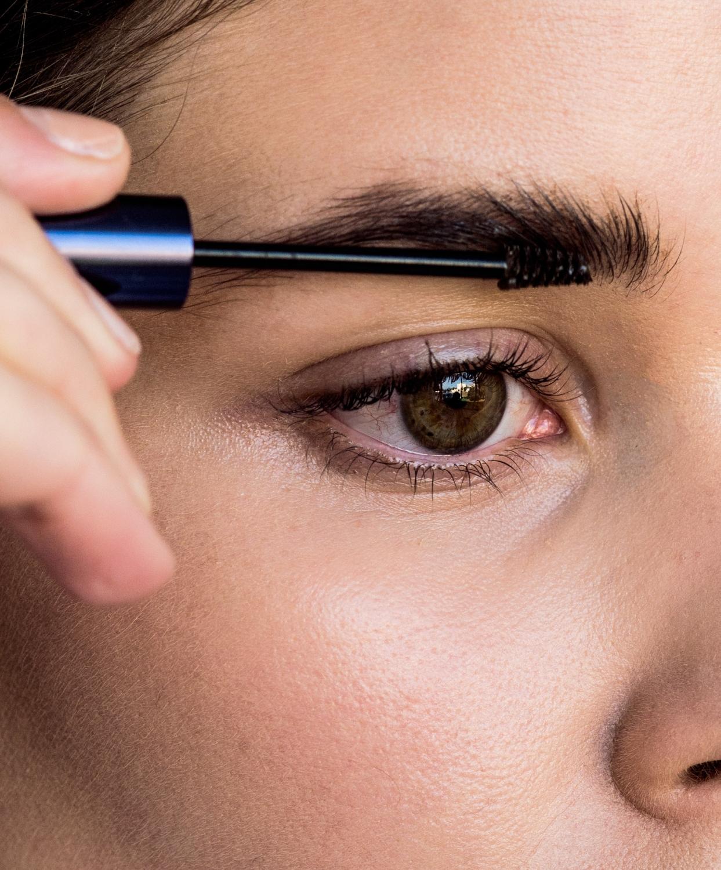 brows | brow brush | beauty | makeup | Estee Lauder | HarperandHarley