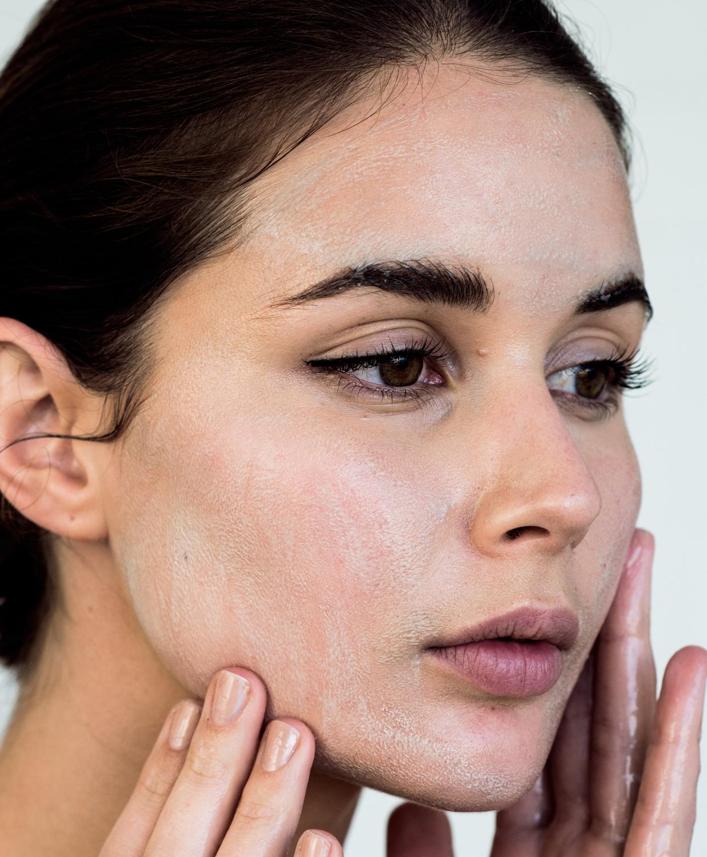 Sukin charcoal cleanser | beauty | skincare | harperandharley