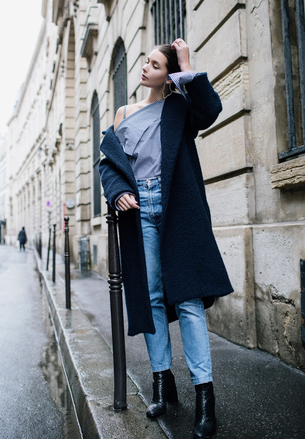 Paris Street Style | Outfit | Navy | Denim | Harper and Harley