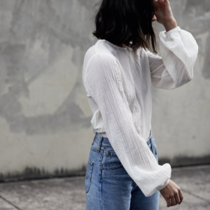 White puff sleeve shirt |Matin Studio | Street style | outfit | vintage levis | HarperandHarley