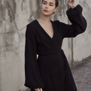 Black wrap dress | Matin Studio | The UNDONE | Street style | Outfit | HarperandHarley