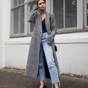 long check coat | blue denim jeans | street style | HarperandHarley