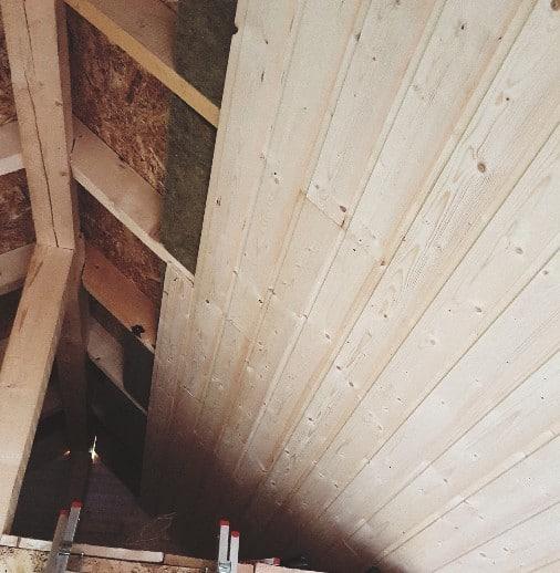 Verschalung der Dachschrägen