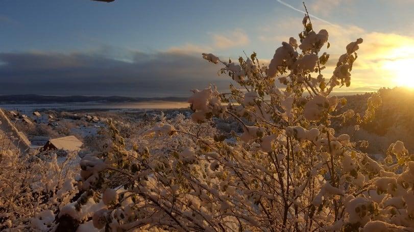 Winterlicher Sonnenaufgang in Săliște