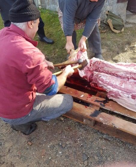 Das Kopffleisch wird für Toba verwendet