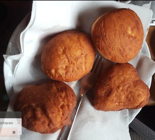 Zum Entfetten legt man Küchenpapier zwischen die Gogoşii