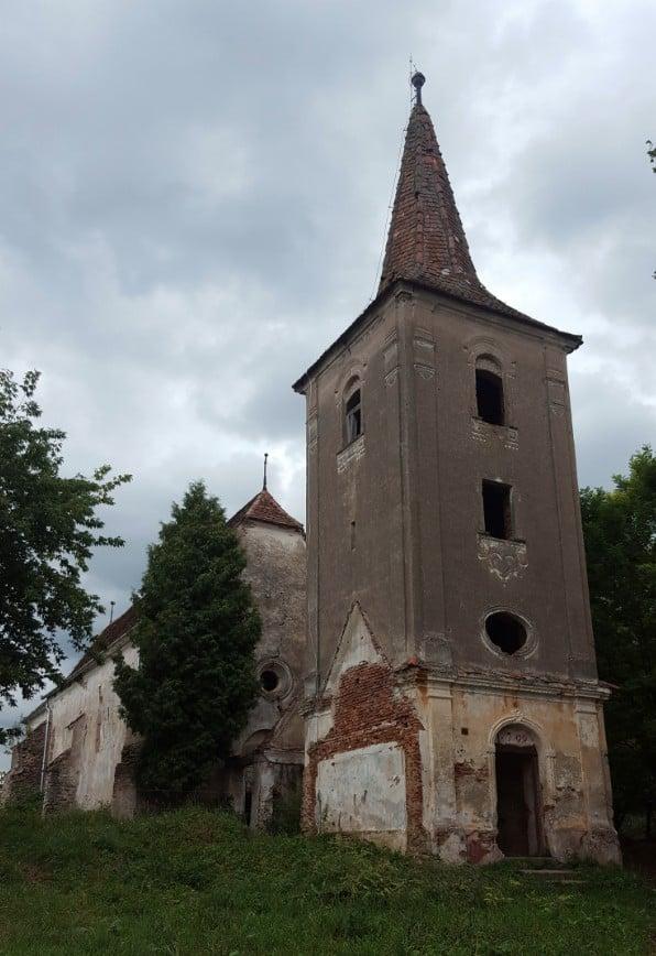 Die evangelische Kirche in Apoș (dt. Abtsdorf)