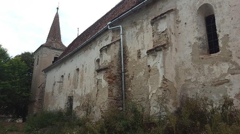 Der beklagenswerte Zustand der evangelischen Kirche in Apoș (dt. Abtsdorf)