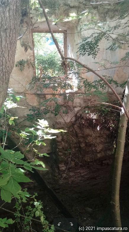 Raum über einem eingestürzten Kellergewölbe