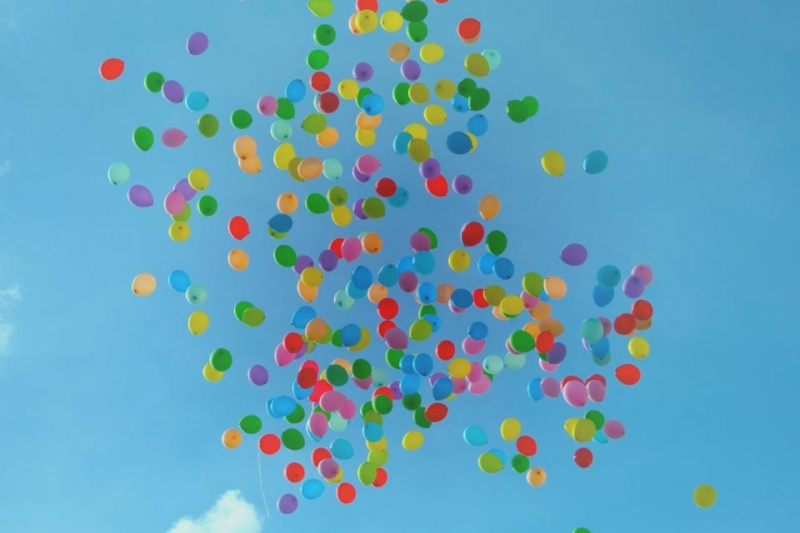 baloons in the air