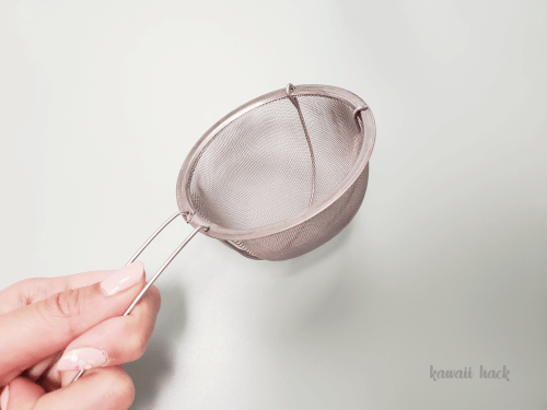 コスメツールを洗う道具