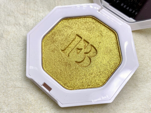 fenty beauty highlighter TROPHY WIFE