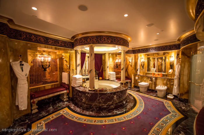 Burj Al Arab - Royal Two Bedroom Suite 11