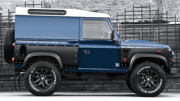 Land Rover Defender 2.2 - Chelsea Wide Truck 2