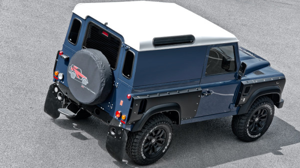 Land Rover Defender 2.2 - Chelsea Wide Truck 3