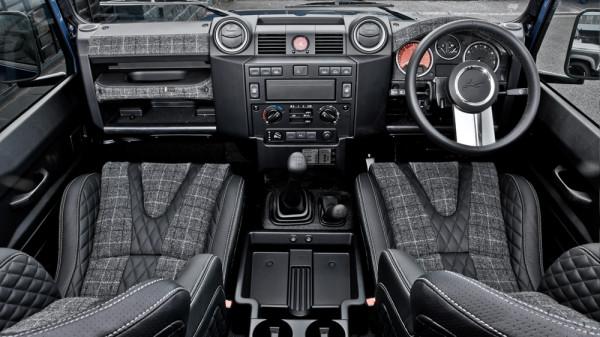 Land Rover Defender 2.2 - Chelsea Wide Truck 4