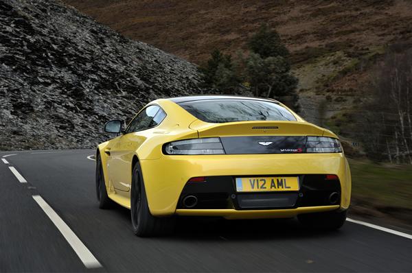 Aston Martin V12 Vantage S 23