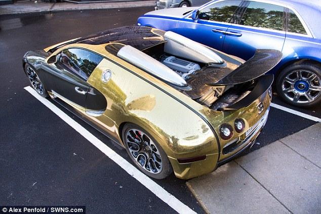 Gold Bugatti Veyron 4