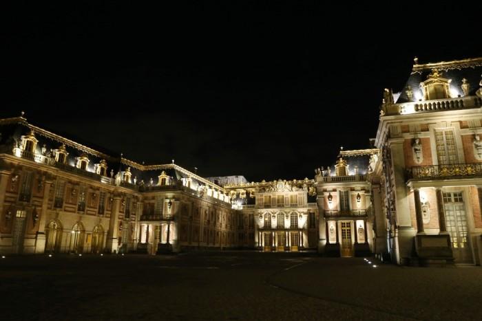 Château de Versailles - Swarovski chandelier 2