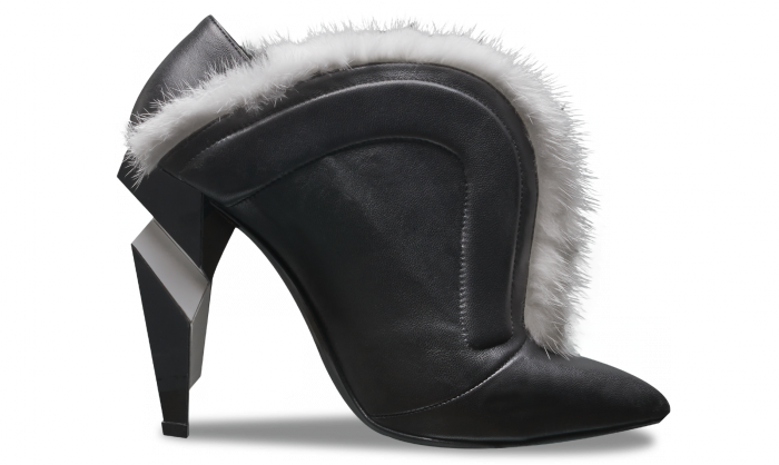 Fendi Booties - Sculptured black bootie with mink fur