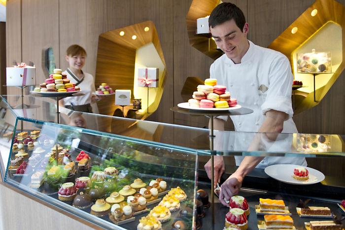 Mandarin Oriental Paris Cake Shop