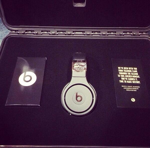 Beats by Dre Super Bowl headphones 3