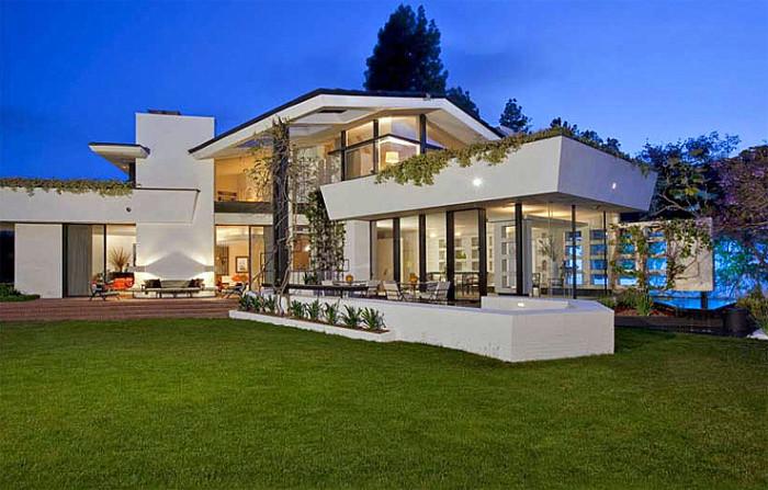 Ellen Degeneres Buys Brody House For 40 Million Next Door To
