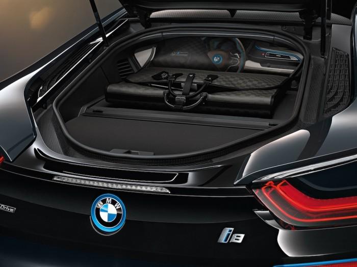 Louis Vuitton - BMW i8 Luggage Set 4