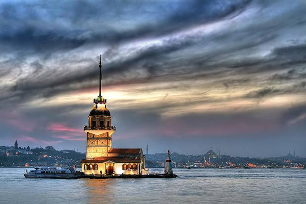 10 Most Beautiful Restaurants In The World - Maiden's Tower, Istanbul 5