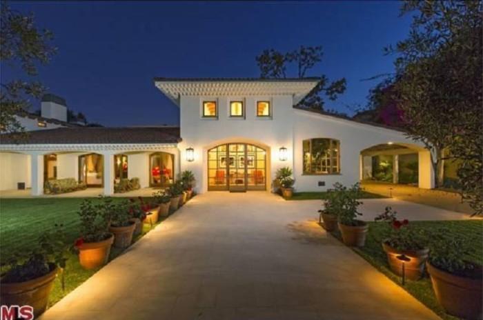 Bruce Willis Beverly Hills Hacienda 1