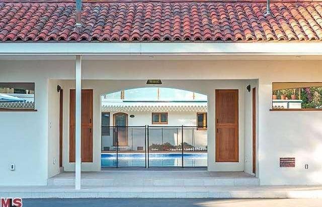 Bruce Willis Beverly Hills Hacienda 11