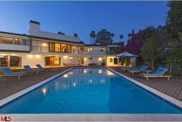Bruce Willis Beverly Hills Hacienda 23