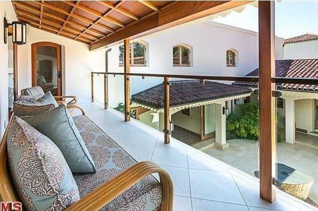 Bruce Willis Beverly Hills Hacienda 7
