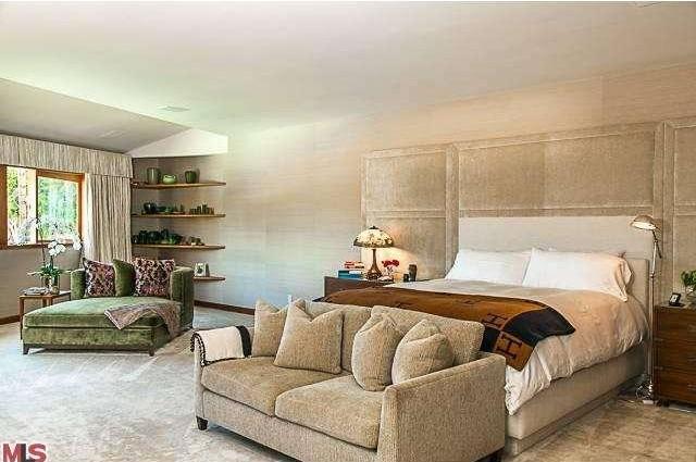 Bruce Willis Beverly Hills Hacienda 9