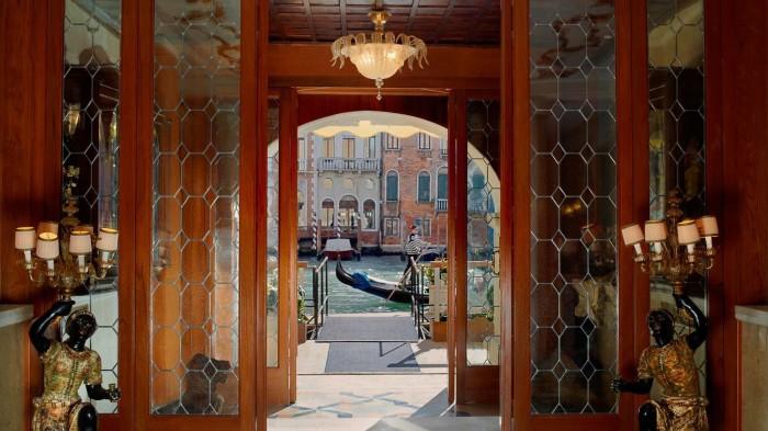 Gritty Palace, Venice