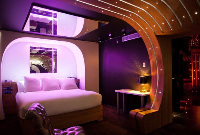 Seven Hotel James Bond Suite 2