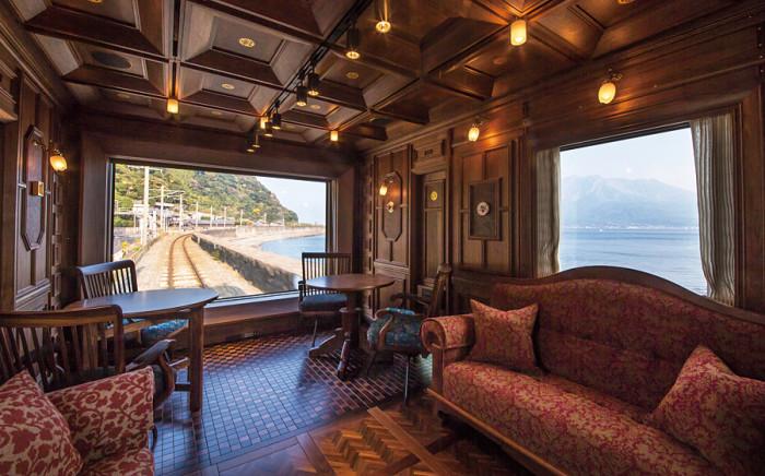 Seven Stars Kyushu Lounge Car, Japan