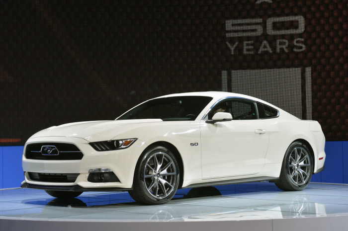 2015 Ford Mustang Anniversary Edition 3