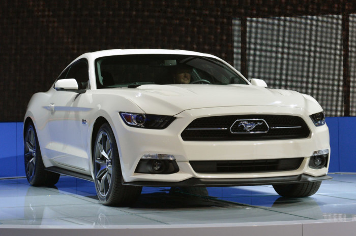 2015 Ford Mustang Anniversary Edition 5