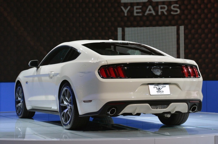 2015 Ford Mustang Anniversary Edition 6