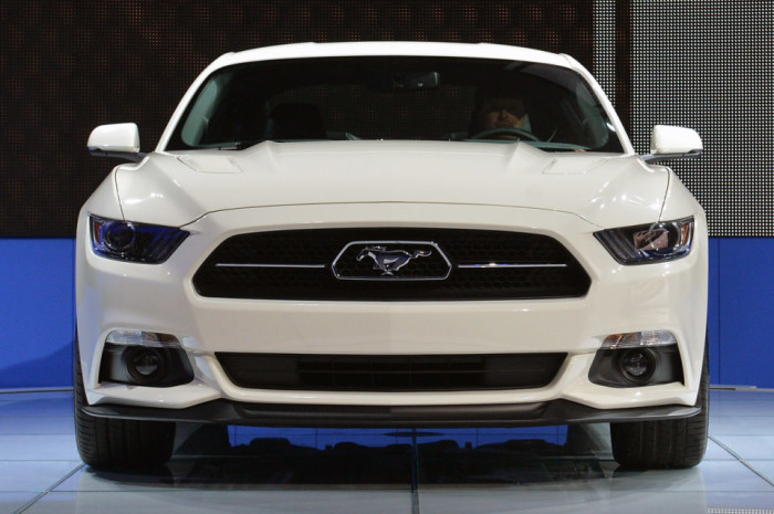 2015 Ford Mustang Anniversary Edition 8