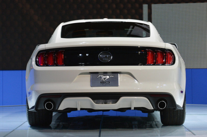 2015 Ford Mustang Anniversary Edition 9