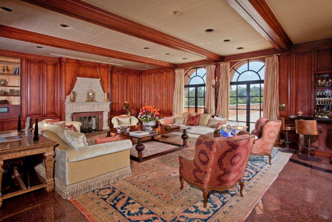 Beverly House Mansion 10
