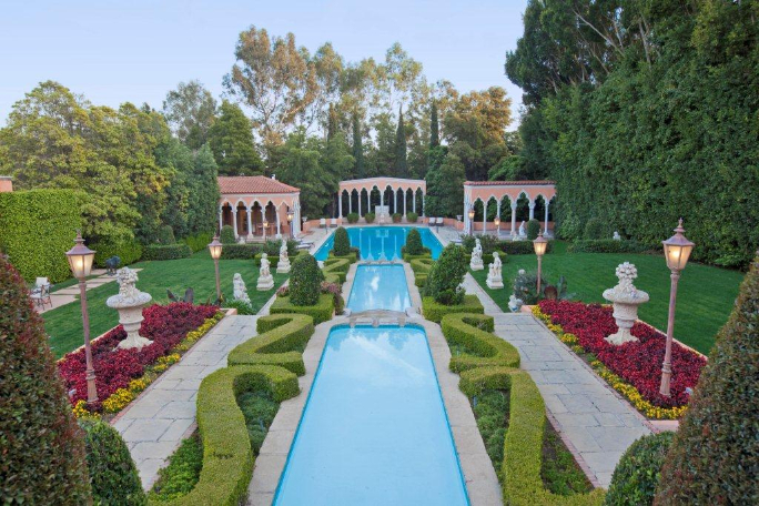 Beverly House Mansion 3
