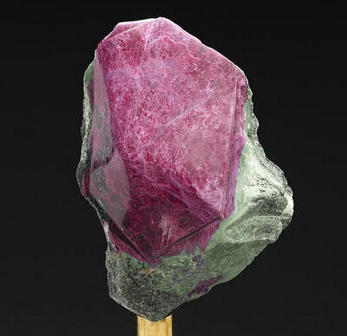 Bonhams Ruby Crystal in Zoisite 1