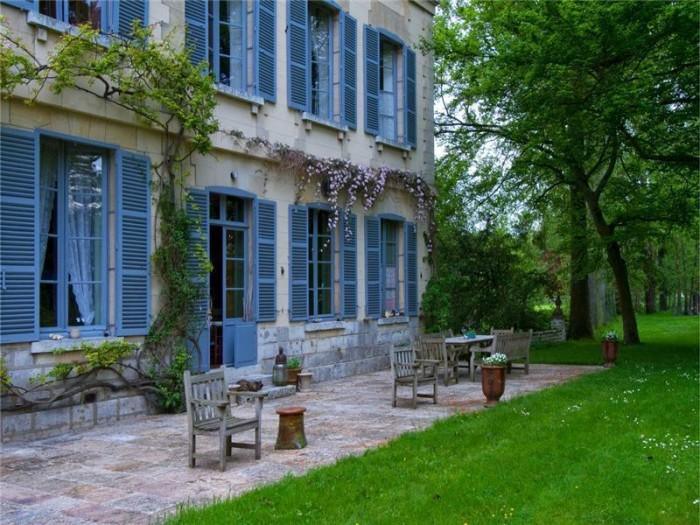 Catherine Deneuve Château de Primard 7
